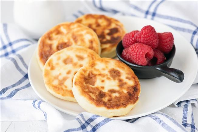 Cottage cheese sour cream pancakes