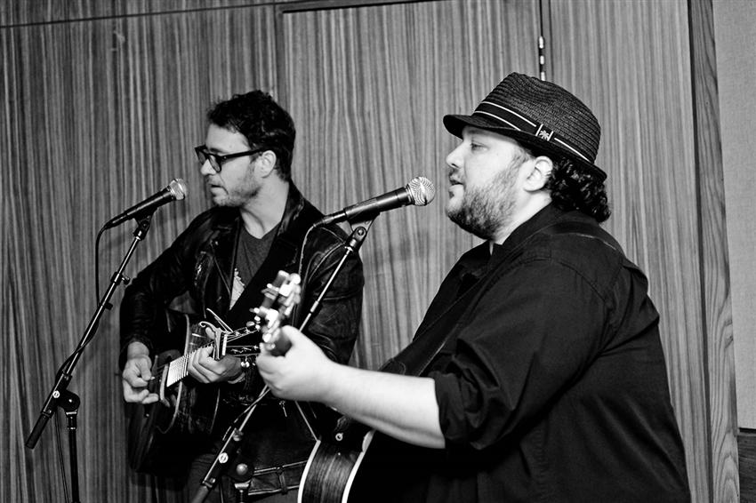 (Left to right) Musicians Amos Lee and Mutlu